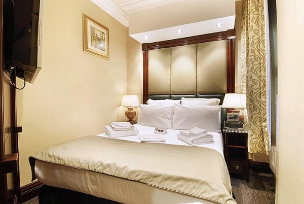 Rooms at London Premier Notting Hill