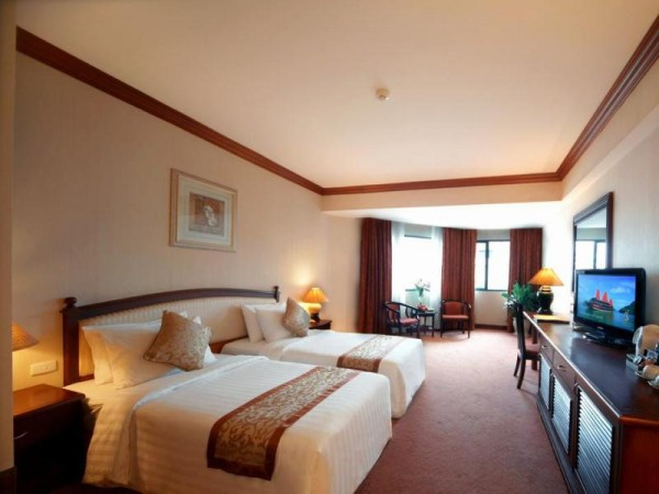 Spacious Rooms at Ha Long Plaza Hotel