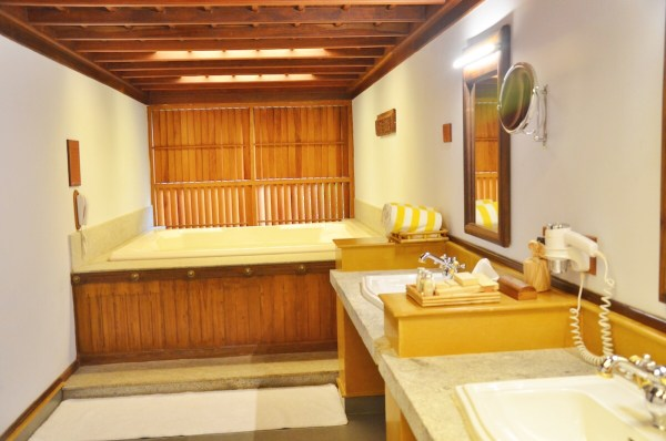Huge Bathroom at Kumarakom Lake Resort