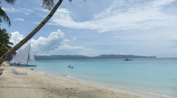 Boracay Beach by Toby Simkin via Flickr