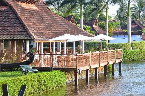 Floating Bar at Kumarakom Lake Resort