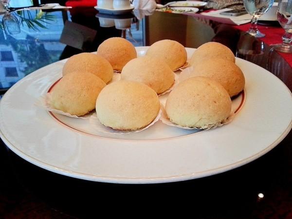 Baked Crispy Snow Asado Pao
