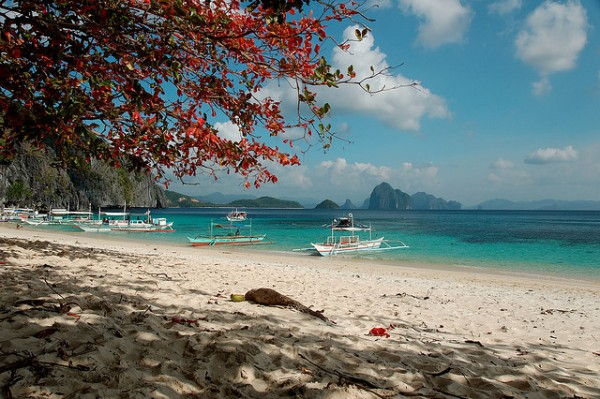 Beach in El Nido by Orly Arcelao via Flickr