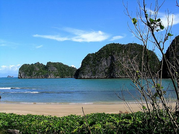 Gota Beach in Caramoan Peninsula
