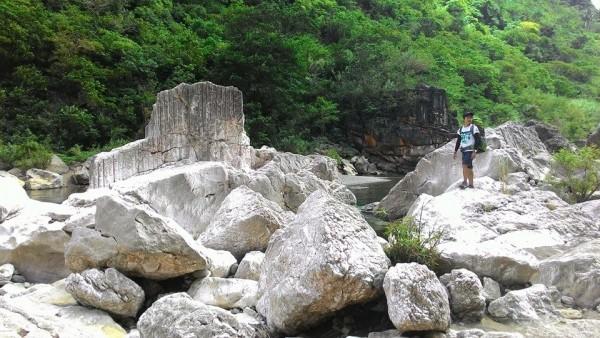 Huge Rocks in Tinapak River