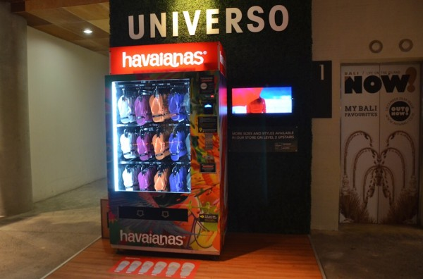 Havaianas Vendo Machine in Beachwalk Shopping Center