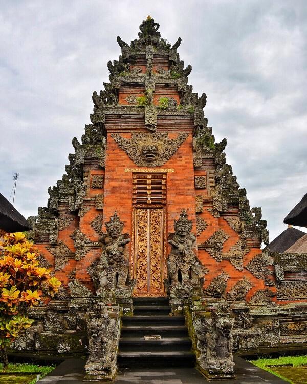 Inside Batuan Temple