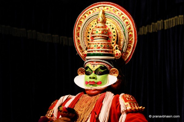 Kathakali, The Art Of Story Telling Through Expressions and Hand Gestures photo by Pranav Bhasin via Flickr