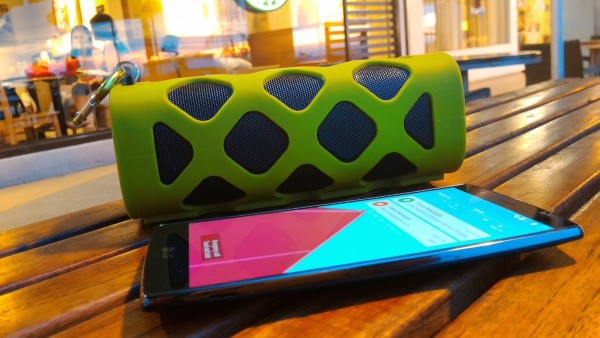 KingCom Beehype is easy to pair with Bluetooth enabled  smartphones