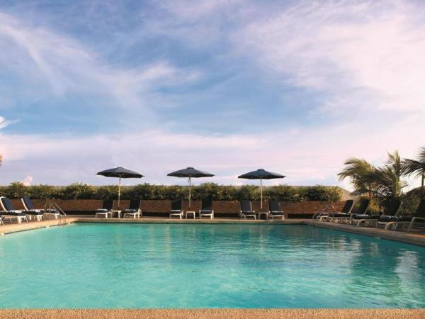 Hotel Jen Manila Swimming Pool