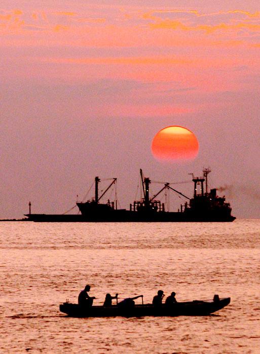 Manila Bay Sunset - Must-Do Things in Manila