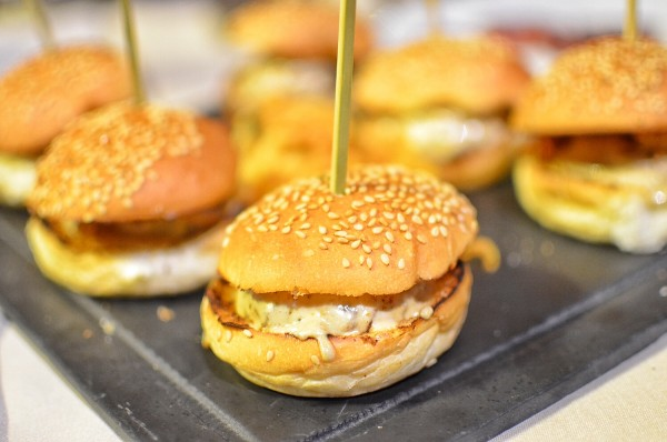 Mini Hamburguesa de Ternera con Salsa de Foie y Setas