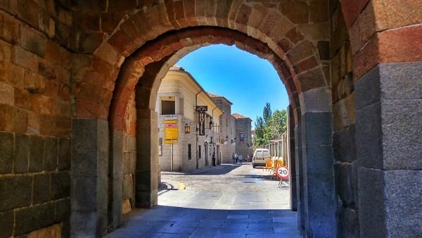 San Martín Gate