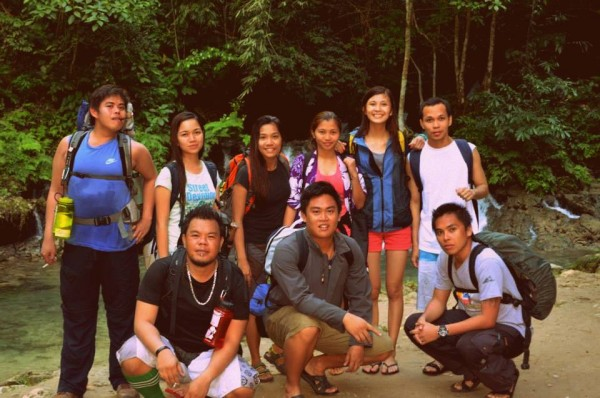 The obligatory Kawasan Falls group photo