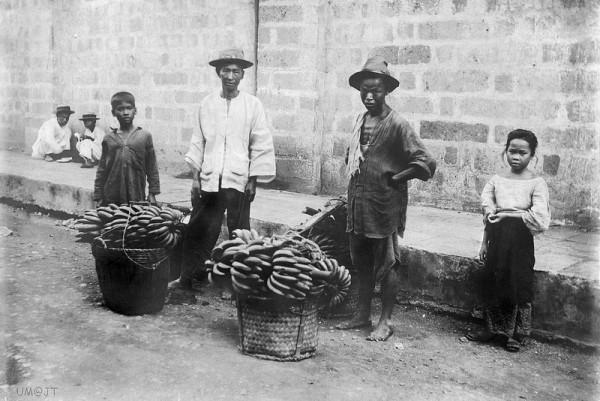 Filipino Chinese Banana Street Vendors circa 1900's