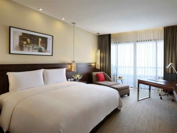 Hotels Near Mall of Asia