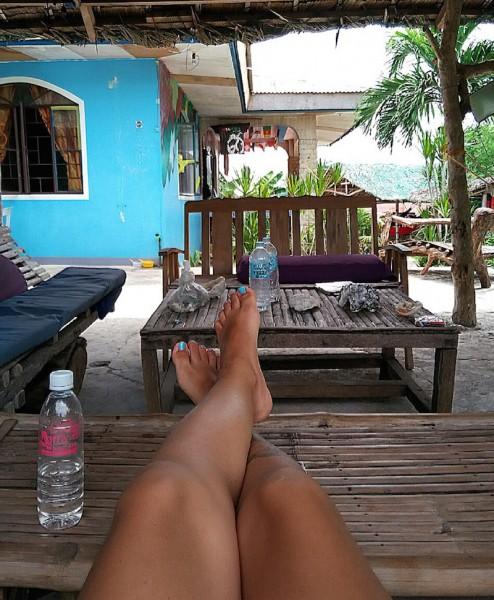 Feeling at home in Villa Sandra, one of my favorite hostels - Malapascua