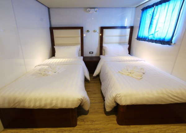 Upper deck 3 & 4 single beds