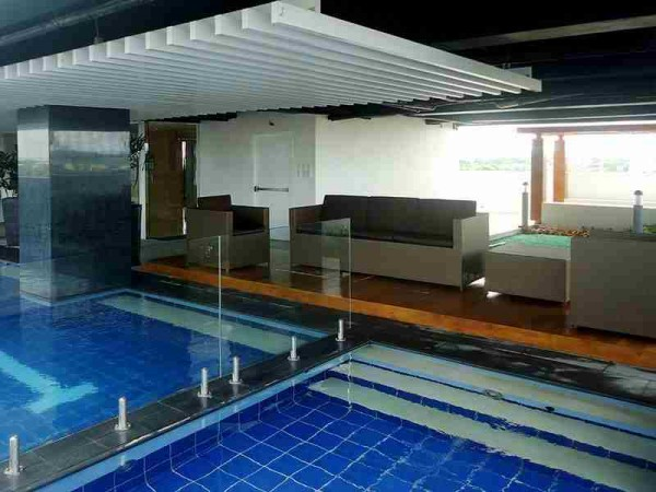 Injap Hotel Iloilo Swimming Pool