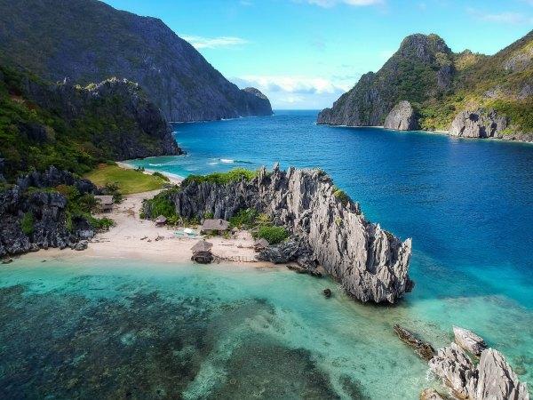Palawan El Nido by Cris Tagupa via Unsplash