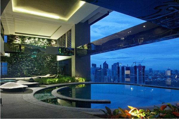 Pool at Gramercy Residences photo courtesy of www.skyscrapercity.com