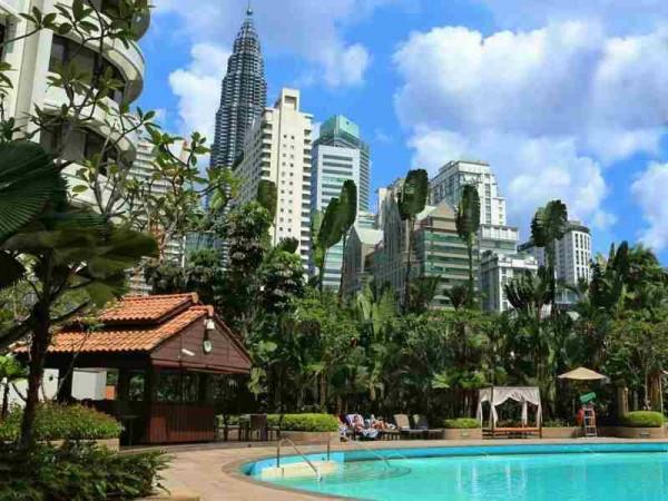 Shangri-La Hotel Kuala Lumpur Swimming Pool