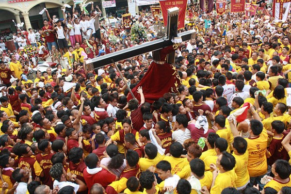 A replica of the Black Nazarene at Plaza Miranda