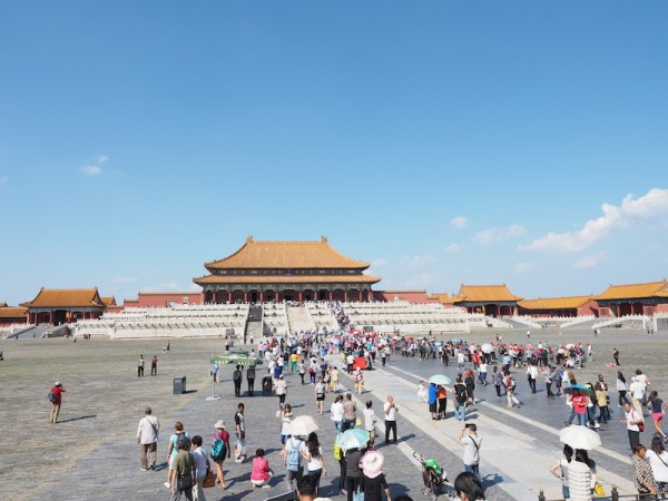 tourists at the entrance of the Forbidden City photo by Bam Bondoc