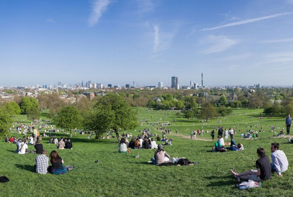 Picnic at Primrose Hill by Diliff - Own work. Licensed under CC BY-SA 3.0 via Commons