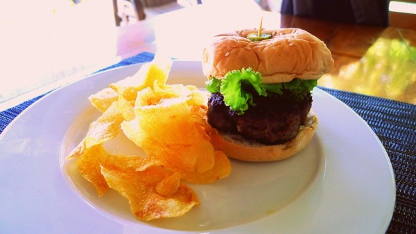 Cheeseburger with chips for lunch