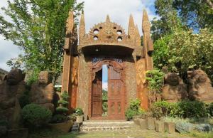 Cintai-Coritos Garden Balinese Gate