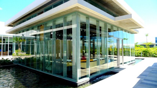Glass cube design