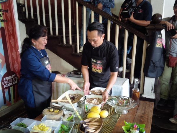 PAMPANGA CONNECTION. Ms Atching (left) and Chef Sau (right) preparing for their take on the sisig. Pampanga is dubbed as the food capital of the Philippines. It's no wonder why some of the finest chefs of the country are Kapampangan.
