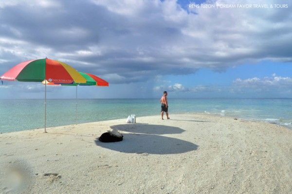 Palad Sandbar photo by Renz Tuzon and Dream Favor Travel and Tours