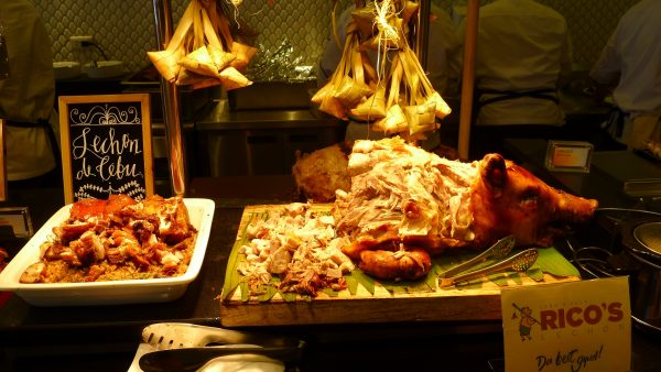 Lechon de Cebu with hanging rice