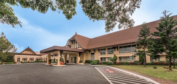 Taal Vista Hotel Facade