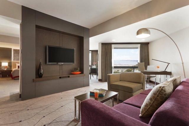 Hotel Jen Manila Premier Suite Bay View