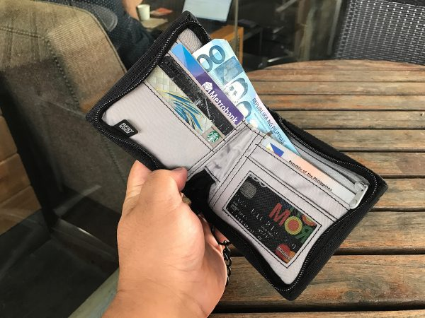 My New RFIDsafe Z100 RFID blocking wallet