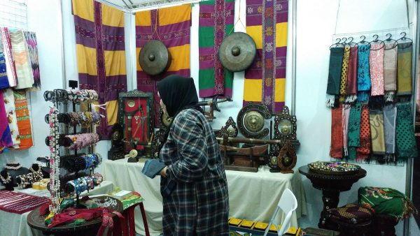 Weaves, brassworks and jewelry from Mindanao