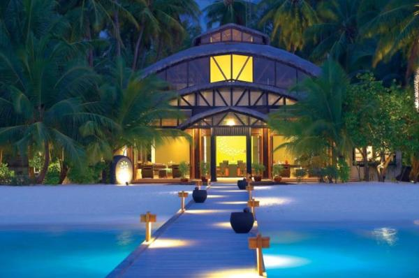 Angsana Velavaru Resort