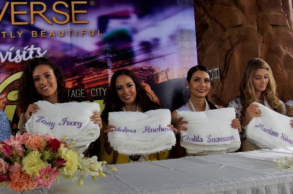 """candidates receive personalized """"inabel"""" blankets from the provincial government. (L-R) Miss Netherlands Zoey Ivory Ud Koelen, Miss Bulgaria Violina Ancheva, Miss Thailand Chalita Suansanee and Miss Venezuela Mariam Habach."""