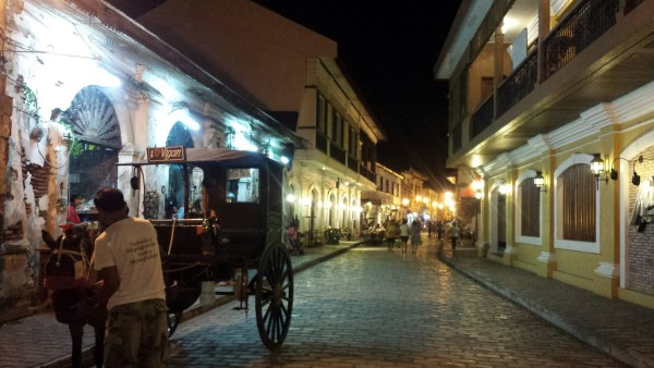 Calle Crisologo by night