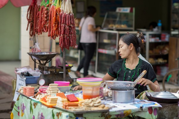 Street food in Yangon Chinatown