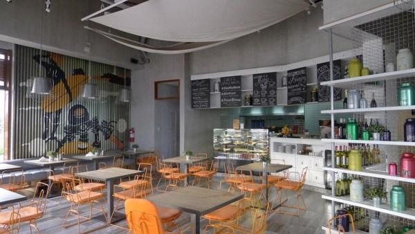 Interiors at Gusto Mare at Il Corso