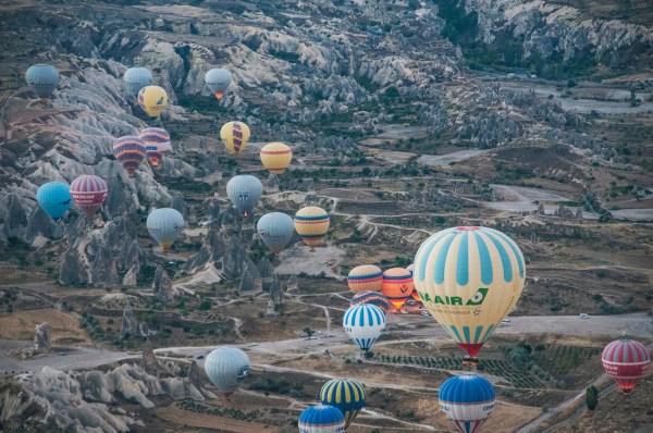 Heavy balloon traffic!