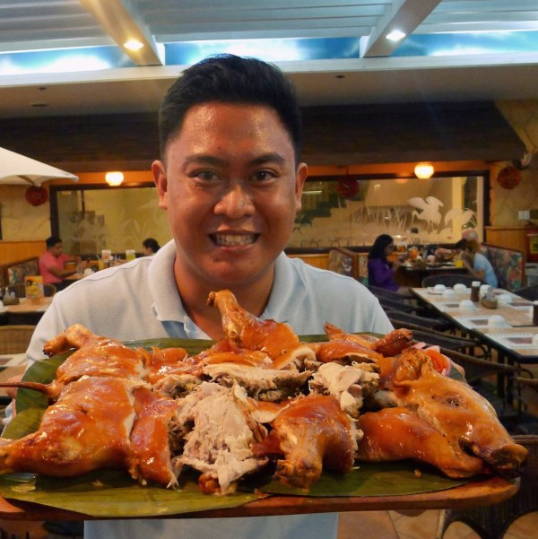 Only a side plate was used to chop this Lechon de Leche