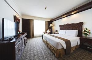 Room at Waterfront Airport Hotel and Casino Cebu
