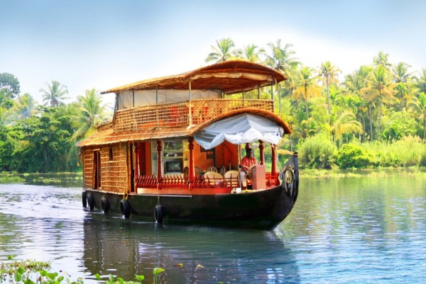 Alleppey Deluxe Houseboat Tour