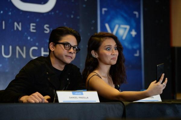 Kathryn Bernardo and Daniel Padilla Selfie using Vivo V7 Plus