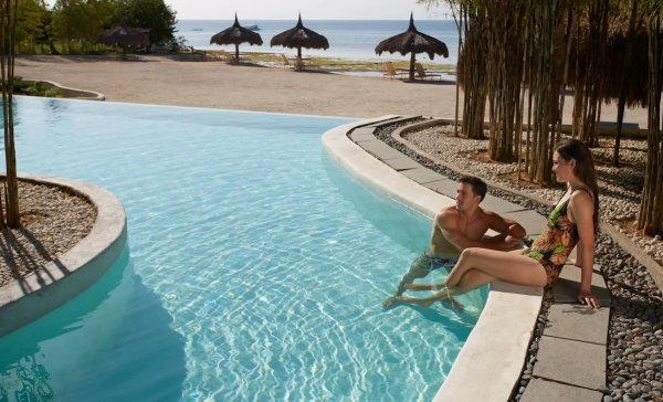 Aplaya Pool at Bluewater Panglao
